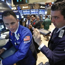 Wall Street falls further, bearish signals mount