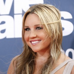Amanda Bynes tweets Barack Obama: 'Fire the cop who arrested me'