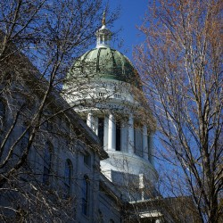 Maine Senate rejects majority governor vote bill