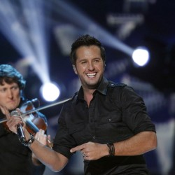 Country star Luke Bryan plays to sold-out Waterfront crowd