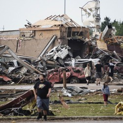 Generosity floods survivors of Oklahoma tornado