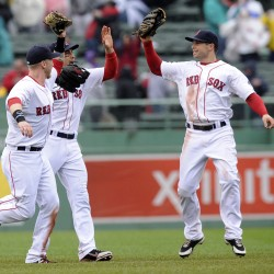 Red Sox score four in 9th, edge Indians on Ellsbury's two-run double
