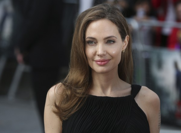 Angelina Jolie arrives for the world premiere of her fiance Brad Pitt's film World War Z in London June 2, 2013.