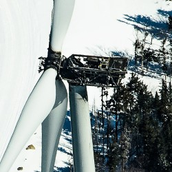 $4-million turbine fire at Kibby Mountain puts wind energy under new scrutiny by state, opponents