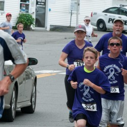 More than 600 take part in Dexter 5K to help end domestic violence
