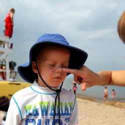 Protect kids against sunburn