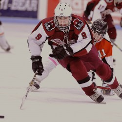 Bangor High School's Parker Sanderson wins Travis Roy Award as state's top hockey senior