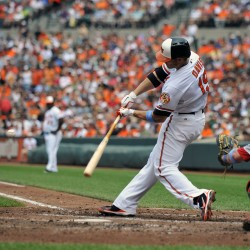 Orioles win 7th in row at Boston, 2-1 behind Chen