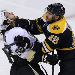 Jeffrey scores 2, Penguins snap Bruins' win streak