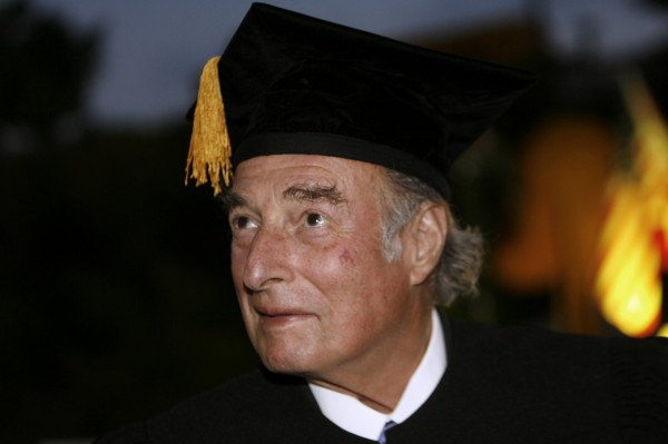 Swiss billionaire Marc Rich receives the Award Honorary Doctorate from Bar-Ilan University in Tel Aviv on May 15, 2007.