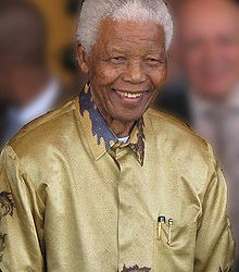 Nelson Mandela back home after long hospital stay