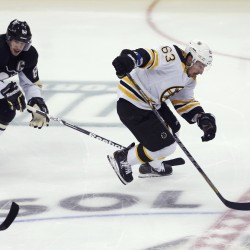 Staal stops Penguins' collapse with goal in 3rd