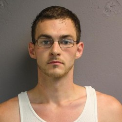 Brunswick man charged with threatening man at gas station