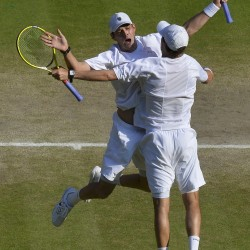 Unseeded team upsets Bryan brothers in 5 sets for Wimbledon doubles title