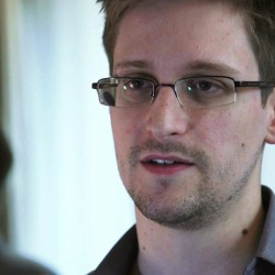 Fugitive Snowden to seek temporary asylum in Russia