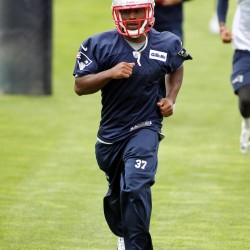 Patriots' Dennard claims he did not fail sobriety test
