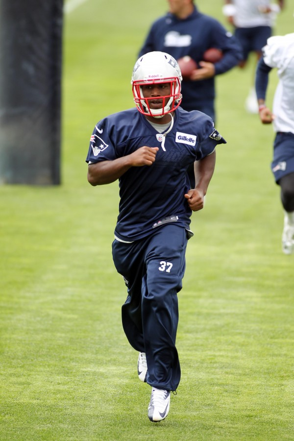 New England Patriots cornerback Alfonzo Dennard runs during minicamp at the practice fields of Gillette Stadium in Foxborough, Mass., on June 12.