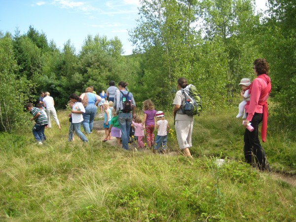 "Kids and grandkids take a barefoot ""turtle"" walk on the Georges Highland Path."
