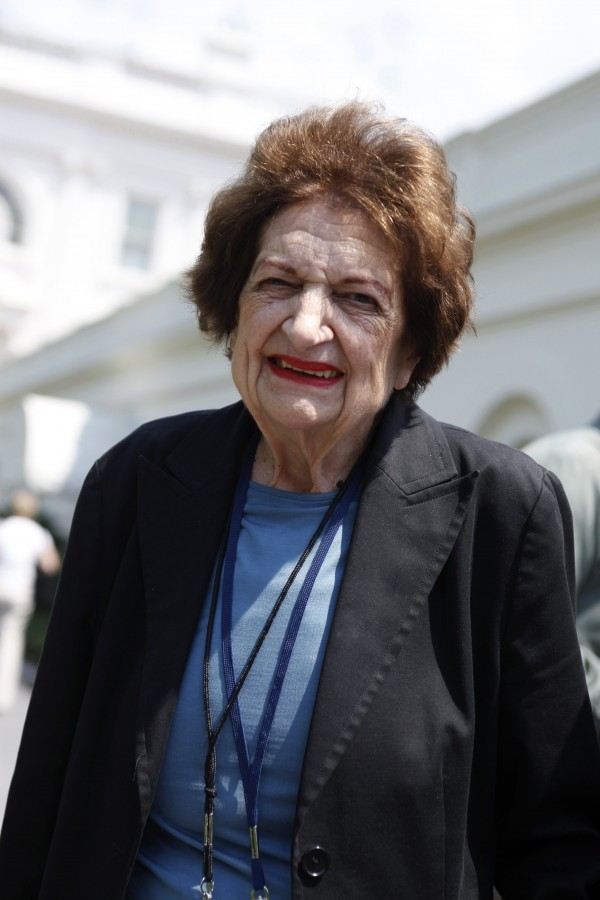 Veteran White House journalist Helen Thomas is pictured as she departs the West Wing of the White House in Washington in this July 27, 2009 file photo. Thomas, who reported on every U.S. president since John Kennedy, died on July 20 at the age of 92, The Gridiron Club and Foundation said.