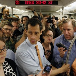 Weiner won't go; new photos surface on Internet