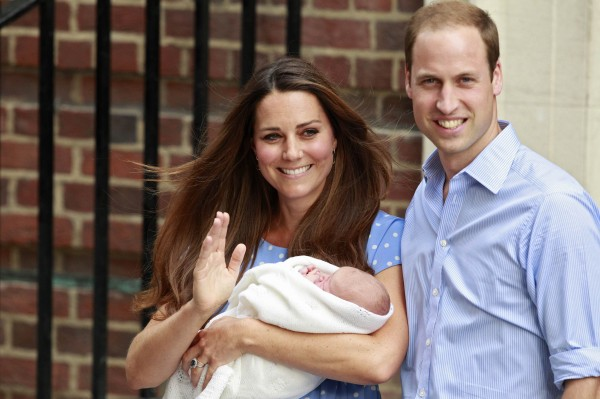 Britain's Prince William and his wife Catherine, Duchess of Cambridge appear with their baby son, Prince George, outside the Lindo Wing of St Mary's Hospital, in central London July 23, 2013.