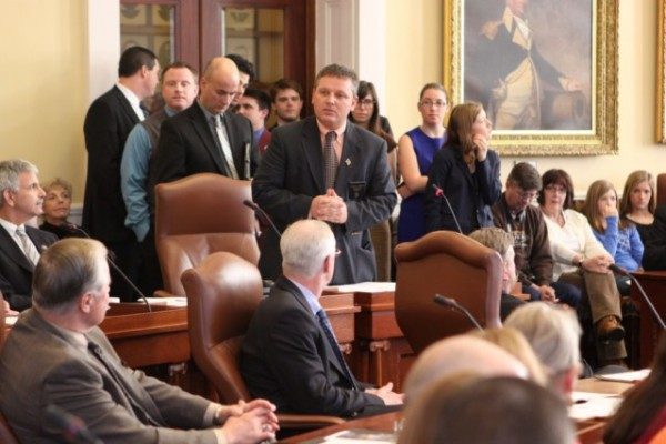 Senate Republican Leader Michael Thibodeau of Winterport is pictured at center.