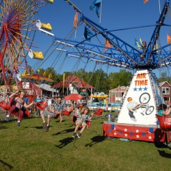 Volunteers help bring fair to Dover-Foxcroft this week