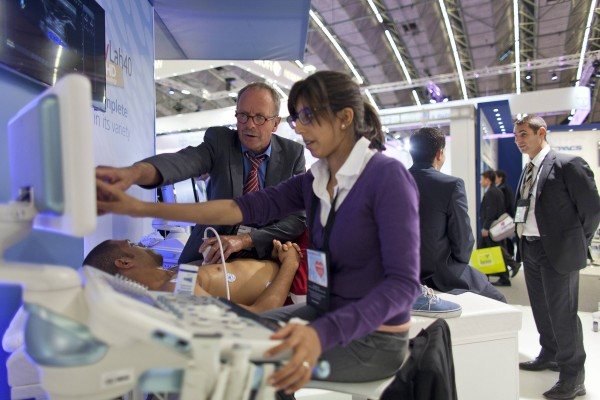 A volunteer receives a 3D heart scan at the European Society of Cardiology meeting venue in Amsterdam September 2, 2013. The future of cardiovascular treatment was the main talking point for some 30,000 medics gathered in Amsterdam for the European Society of Cardiology annual congress. Cardiovascular disease remains the number one killer worldwide and doctors fear a renewed epidemic of heart problems in 20 to 30 years time as a new generation of overweight and obese youngsters reaches middle age. Picture taken September 2, 2013.