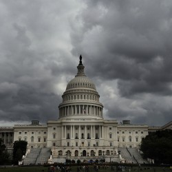 No compromise in sight as government shutdown deadline nears