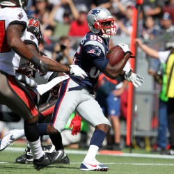 Brady keys Patriots offense in 31-14 win over Bucs
