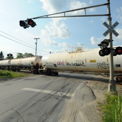 Maine's crude-by-rail shipments resume at a trickle in March