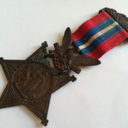 Joshua Chamberlain's original 1893 Medal of Honor found at church sale, donated to Brunswick history group