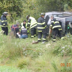 2 hurt in Interstate 95 rollover