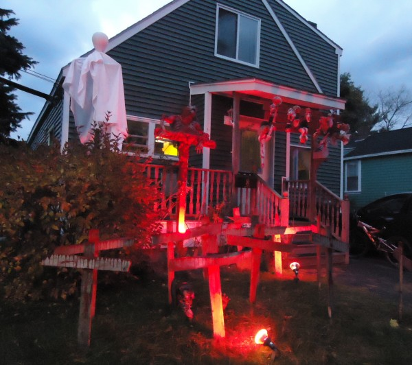 Enter if you dare. This modest house in Saco turns into a chamber of horrors every Halloween.