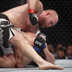 Lincolnville's Tim Boetsch overcomes broken foot, edges Hector Lombard in UFC 149 bout
