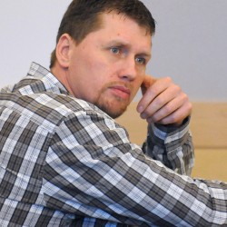 Judge revokes bail of Exeter man charged with stealing dump truck