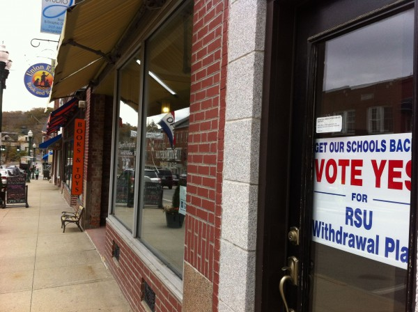 A sign on Main Street in Ellsworth urges residents to vote to withdraw from RSU 24 on Nov. 5. Proponents of withdrawal are worried they will not have enough voter to push any actions that day.