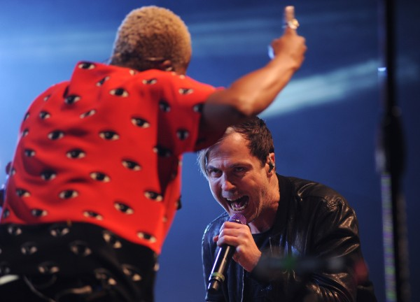 Michael Fitzpatrick and Noelle Scaggs perform on stage as the vocal duo of Fitz and the Tantrums at the State Theatre in Portland on Saturday.
