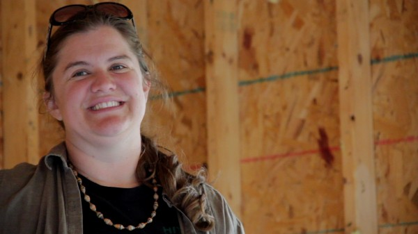 Jennifer Jacques is soliciting help from her community to turn an abandoned garage into a home for her and her daughters. She's calling the effort the Itty Bitty House Project.