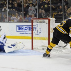 Bruins to open season Oct. 6 against Flyers