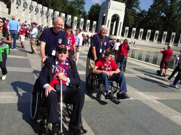 A group of veterans traveling from from Mississippi manages to visit the World War II memorial despite the Washington shutdown.