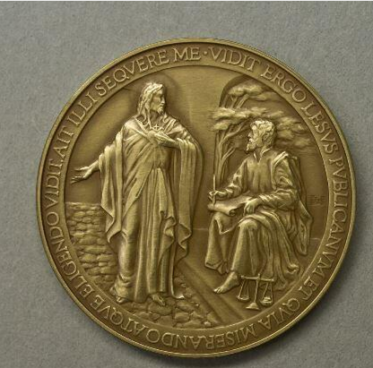 A Vatican medal with &quotLesus&quot instead of &quotJesus&quot