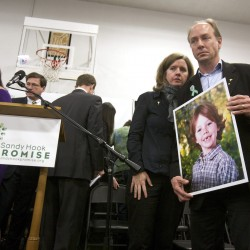 Conn. town mourns as police look for answers