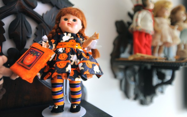 Ginny is the club doll of the Maine-ly Doll Club. This one in Anne Sleeper's doll collection is dressed for Halloweeen.