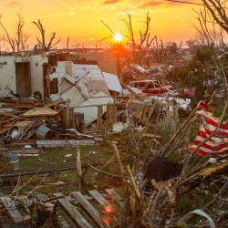 Survivors of deadly Midwest tornado sift through wreckage