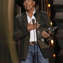 Miranda Lambert, Tim McGraw each score seven nods at Country Music Awards