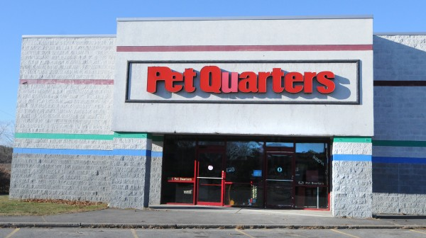 Pet Quarters is closing its store in Bangor after 19 years.