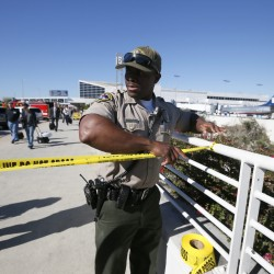 TSA agent killed, 6 wounded in Los Angeles airport shooting
