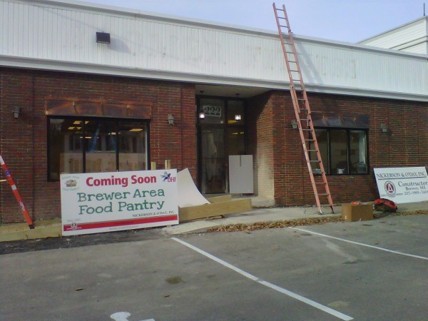 The new Brewer Area Food Pantry, located at 222 North Main St. next to Joe's Gulf, will open Nov. 25 to hand out 50 Thanksgiving Day meals between 10 a.m.-noon to qualifying needy residents of Brewer and Eddington. The food pantry''s regular hours of operation begin in December, starting Dec. 4. The pantry will be open 10 a.m.-noon Wednesdays and Fridays the first four weeks of each month and 6-8 p.m. the fourth Thursday.
