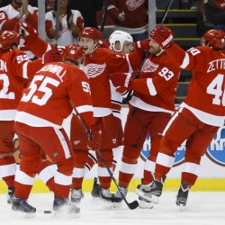 Detroit Red Wings even series on goal by former UMaine star Gustav Nyquist